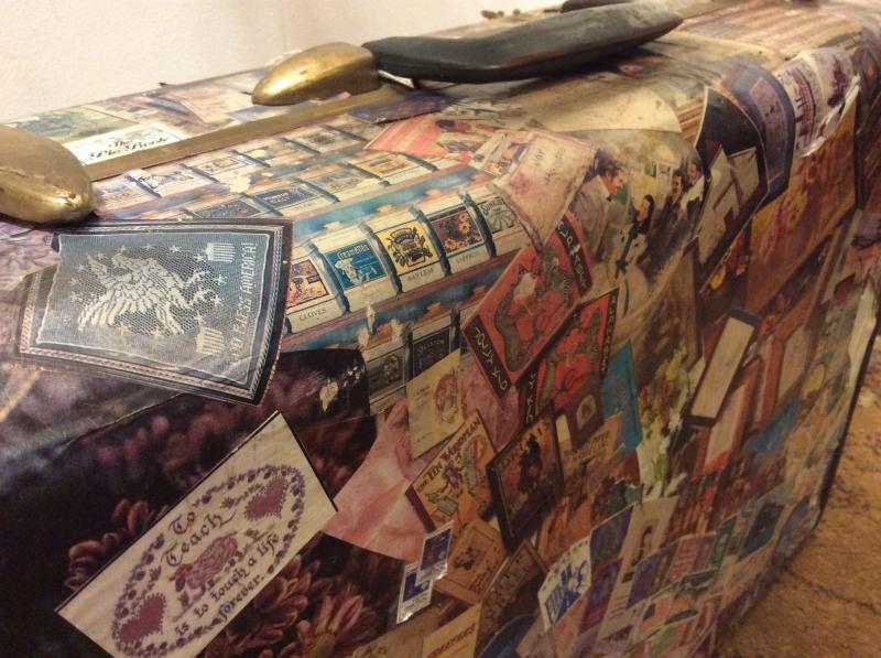 "Vintage 1950s Suitcase  ""Samsonite""."